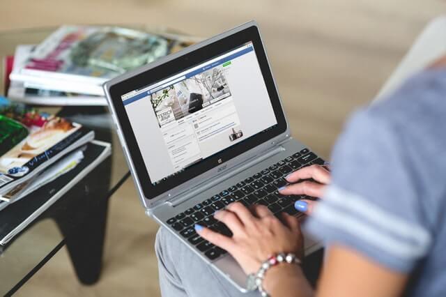 laptop online marketing